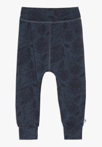 Müsli by GREEN COTTON - PINE PANTS BABY - Tygbyxor - midnight - 0