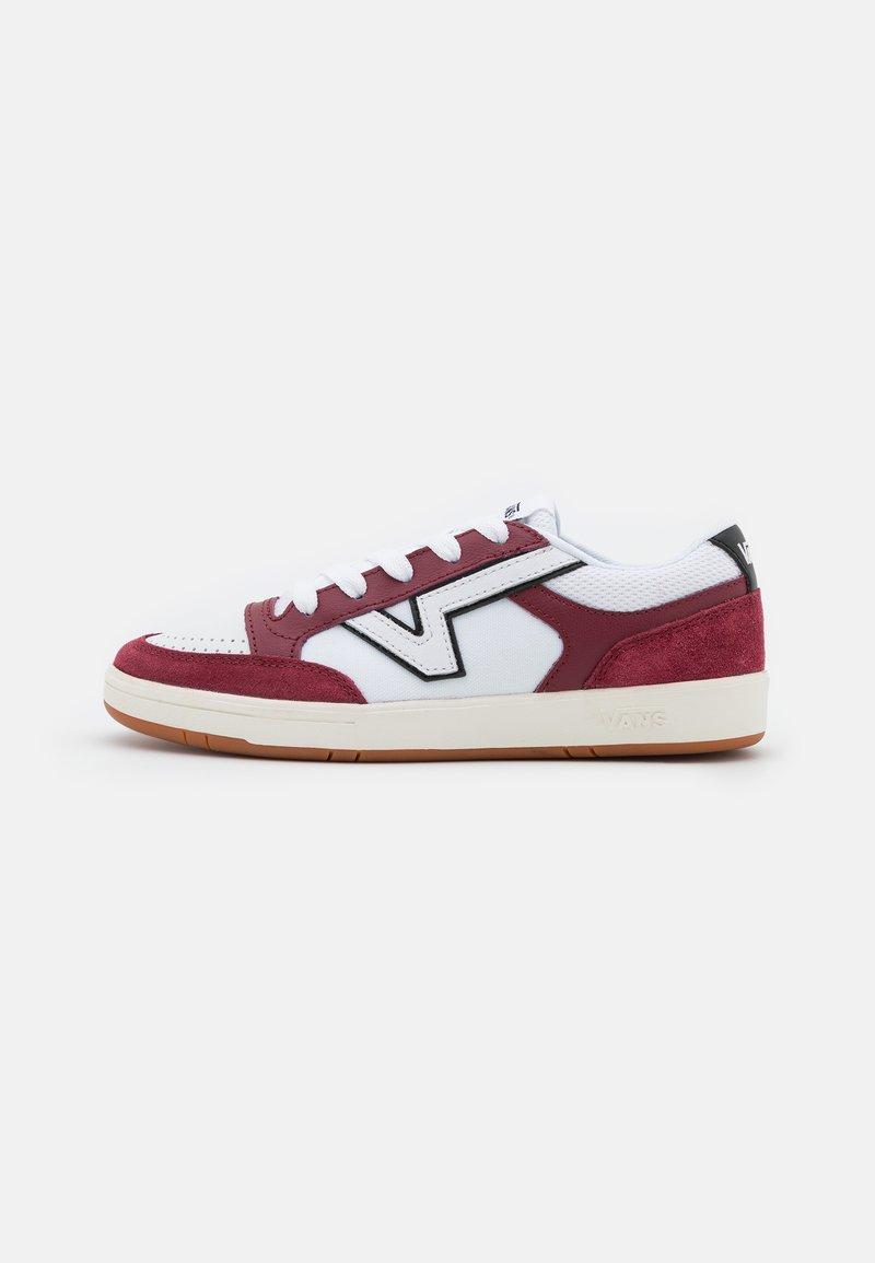 Vans - LOWLAND UNISEX - Sneakers - pomegranate/black