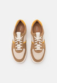 Clarks - BIZBY LACE - Sneakers laag - dark sand - 3