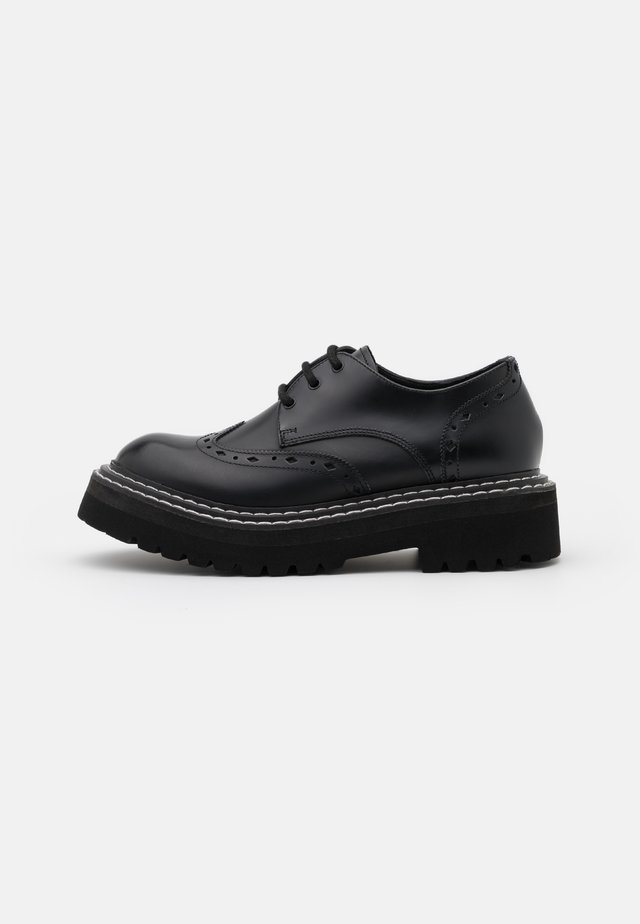 PATROL II BROGUE LACE SHOE - Nauhakengät - black