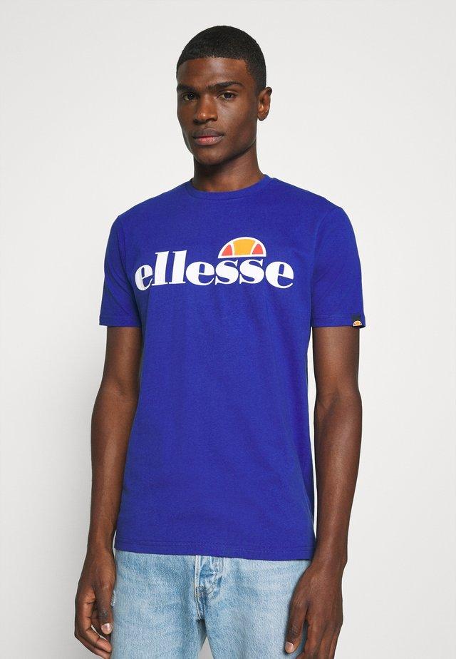 PRADO - Camiseta estampada - blue
