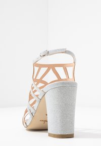 Menbur - Korolliset sandaalit - plata - 5