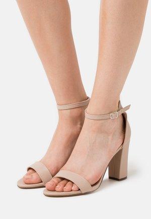BEELLA - Korolliset sandaalit - blush