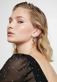 Astrid & Miyu - MYSTIC MOON PENDANT EARRINGS HOOPS - Earrings - silver-coloured - 1