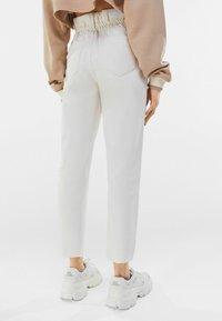 Bershka - Straight leg jeans - stone - 2