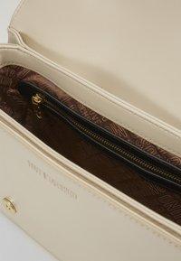 Love Moschino - BORSA - Handbag - ivory - 3
