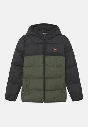 TRANSO PADDED UNISEX - Zimní bunda - black/dark green