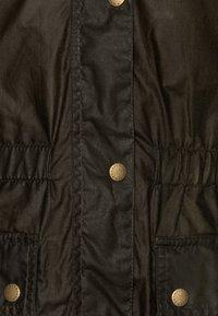 Barbour - GIRLS HAMLET - Waterproof jacket - archive olive - 3
