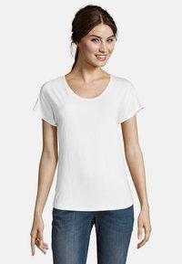 Betty & Co - Basic T-shirt - white - 0