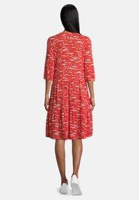 Vera Mont - MIT STUFEN - Jersey dress - red/white - 1