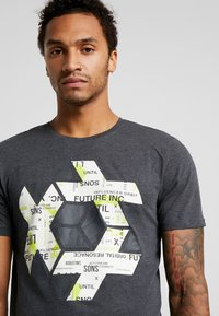 Jack & Jones - ONSABRAHAM FITTED TEE - Print T-shirt - black - 4