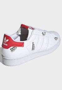 adidas Originals - SUPERSTAR  - Sneakers basse - white - 2