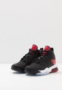Jordan - MAXIN 200 - Basketbalschoenen - black/gym red/white - 3