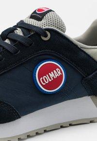 Colmar Originals - TRAVIS COLOR - Trainers - navy/grey - 5