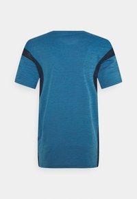 Nike Performance - HYPER DRY - Print T-shirt - obsidian/coast/heather/black - 1