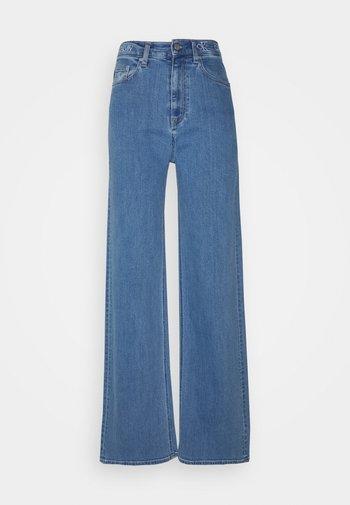 WIDE LEG - Široké džíny - denim medium