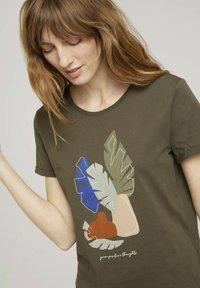 TOM TAILOR - Print T-shirt - grape leaf green - 3