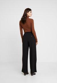 Part Two - VEANNA - Pantalon classique - black - 3