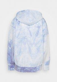 Nike Performance - HOODIE - Langærmede T-shirts - light racer blue/white - 1