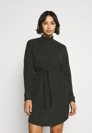 NMCITY AVA SHORT DRESS - Jumper dress - rosin