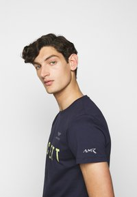 Hackett Aston Martin Racing - TEE - T-shirt print - navy - 3
