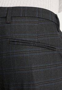 Gabba - PISA CHINO NIGHT BALANCE  - Trousers - blue check - 4