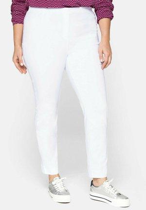 BENGALIN - Trousers - weiß