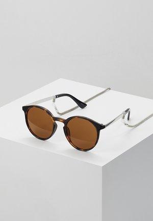 SET mit Brillenkette - Aurinkolasit - brown