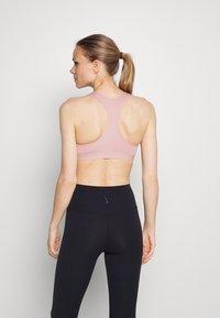 Nike Performance - BAND BRA NON PAD - Medium support sports bra - pink glaze/htr/pink glaze/(white) - 2