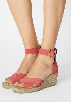 SLFESTHER WEDGE  - Sandály na platformě - old rose