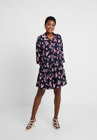 TOM TAILOR DENIM - FLUENT FEMININE DRESS - Shirt dress - blue - 2
