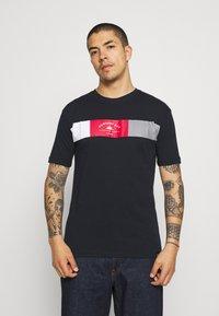 Newport Bay Sailing Club - VIPER - Print T-shirt - navy - 0