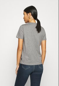Calvin Klein - CORE LOGO - T-shirt con stampa - mid grey heather - 2