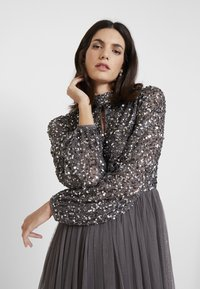 Maya Deluxe - BISHOP SLEEVE DELICATE SEQUIN  WITH KEYHOLE - Occasion wear - charcoal - 4