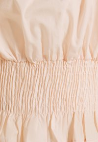 Glamorous Petite - BLOUSE WITH PUFF SLEEVES AND ROUND NECKLINE - Blouse - blush - 2