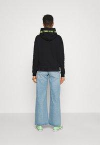 Tommy Jeans - TAPE HOODIE - Sweatshirt - black - 2