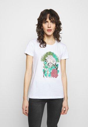 MAGLIA - T-shirt z nadrukiem - bianco/jungle