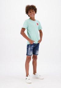 Vingino - CARLISIO - Denim shorts - cruziale blue - 0