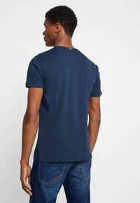 Esprit - LOGO FLOWE  - T-shirt z nadrukiem - navy - 2