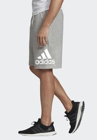adidas Performance - MUST HAVES BADGE OF SPORT SHORTS - Short de sport - gray - 3