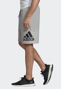 adidas Performance - MUST HAVES BADGE OF SPORT SHORTS - Sports shorts - gray - 3