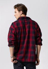 Tigha - NEVEN  - Shirt - red/black - 2