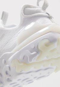 Nike Sportswear - REACT VISION UNISEX - Matalavartiset tennarit - white/light smoke grey - 6