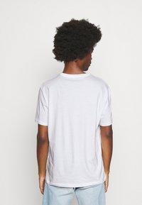 Armani Exchange - Print T-shirt - white - 2