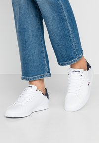 Lacoste - GRADUATE  - Trainers - white/navy/red - 0