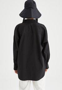 DeFacto - OVERSIZED - Button-down blouse - black - 2