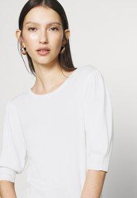 JDY - JDYBRIDGET - T-shirt basic - cloud dancer - 4