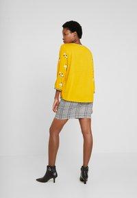 TOM TAILOR - FABRIC PRINT MIX - Bluser - yellow - 2