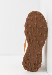Timberland - BROOKLYN HIKER - Sneaker high - wheat - 5