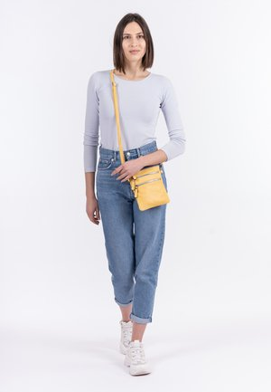 EMMA - Across body bag - citrus